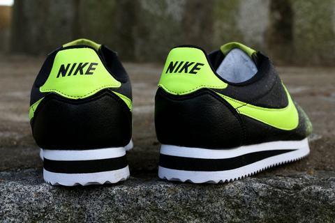 new products 818e2 76cb6 Jordan 11 est non seulement rétro élégant mais extrêmement confortable  aussi. Nike était connu pour la haute qualité des joggeurs et des chaussures  de sport ...
